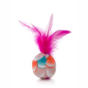 Plyšový míček srůžovým pírkem, hračka