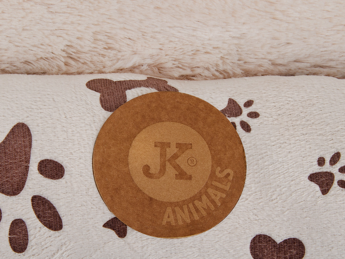 JK ANIMALS Poduška Velvet č. 2 béžová | © copyright jk animals, všechna práva vyhrazena